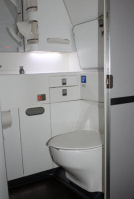Standard Toilet on ANZ 777 300 aircraft