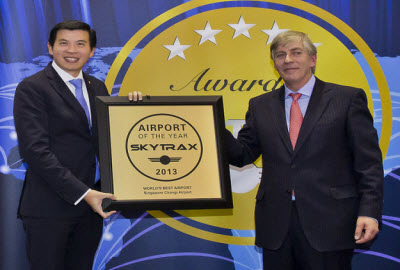 Singapore airport award for world's best airport 2013